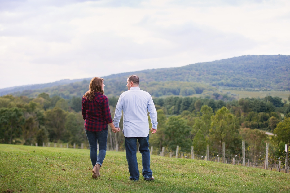 chateau-obrien-engagement-session-007